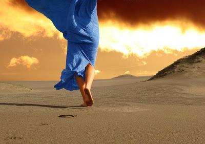 donna+sulla+sabbia+rossoamarena